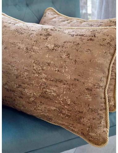 Декоративни възглавници със златисти нишки-1