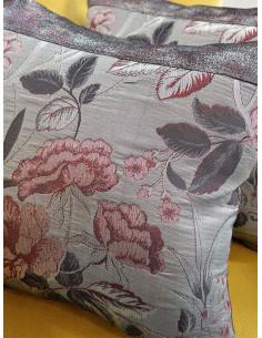 Декоративни възглавници в сив цвят на цветя-1