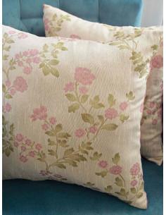 Декоративни възглавници в розов нюанс-1