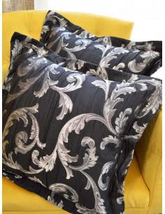 Комплект възглавници в черен цвят със сребристи детайли-1