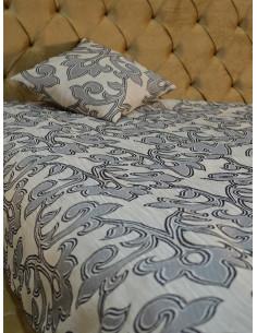 Шалте с възглавница в черно бял дизайн-1