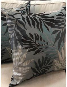 Декоративни възглавници в интересна шарка на сини нюанси-1