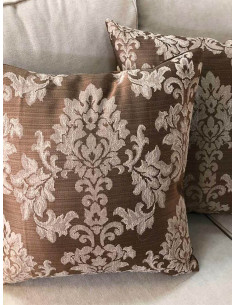 Декоративни възглавници на шарки в кафяв цвят-1