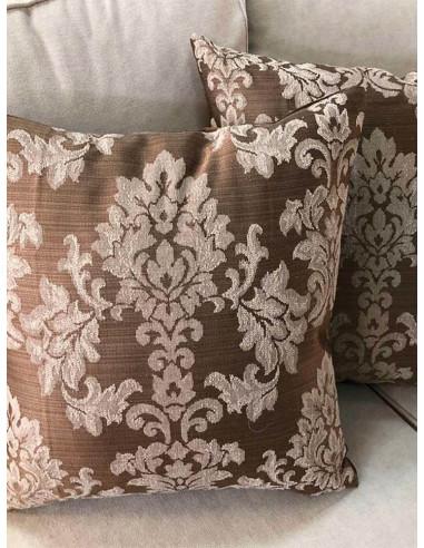 Декоративни възглавници с барокови шарки в кафяв и бежов цвят-1