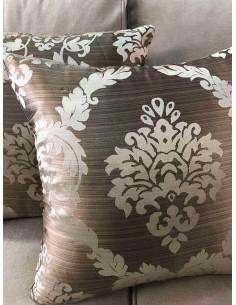 Комплект възглавници в светло кафяв нюанс с детайли-1