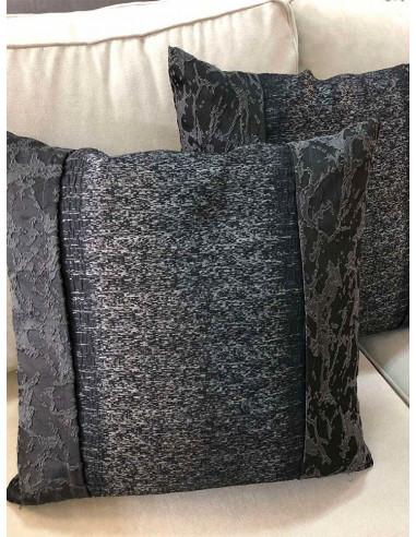 Красиви възглавнички с декоративни шевове в тъмно сиво-1