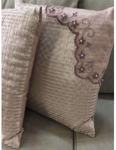 Декоративни възглавнички в розов нюанс-1