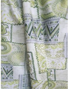 Пъстра плътна завеса с шарки в зелено и слонова кост-1