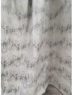 Плътна сива завеса с вълнообразни хоризонтални шарки-1