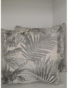 Декоративни възглавници в светло сиво с тропически десен-1