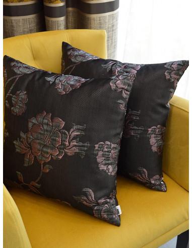 Декоративни възглавници в тъмен лилав нюанс с десен на цветя-1