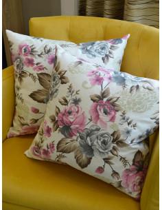 Декоративни възглавнички в светъл нюанс на пъстри цветя-1
