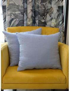 Меки декоративни възглавници в бледо син цвят-1