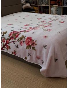 Бяло одеяло с червени розички MODALETTO CARMIN-2
